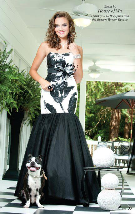 Atlanta pet photographer began her dog photography career by selling prom dresses.
